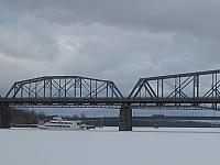 ottawa-bridge-frozen-river-nd-boat