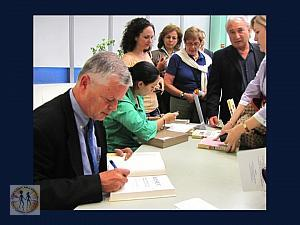 stephen-kinzer-reset-book-signing12