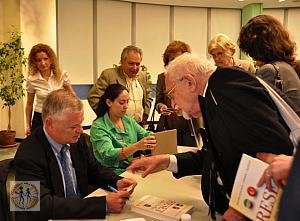 stephen-kinzer-reset-book-signing5