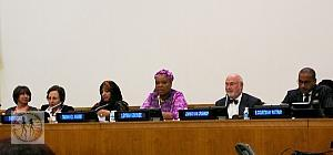 leymah-gbowee-speaking-w-panel