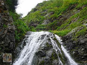 waterfall-on-the-big-almaty-lake2
