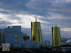 astana-golden-twin-towers-early-evening-p1180646