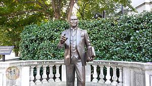ataturk-sculpture-w-peace-at-home-peace-in-the-world-wdc