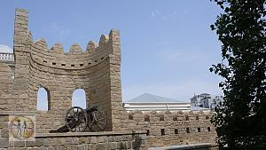 baku-castle-antic-bomb-car-bu-0203