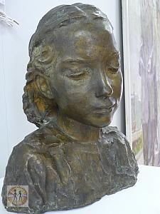 portrait-of-a-young-girl-almaty-kasteev-state-museum-of-arts