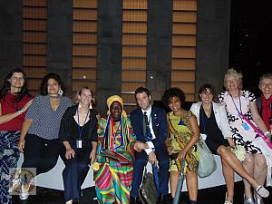 un-peace-bench-by-norway-queen-mother-and-attendees-mandela-centennial-2