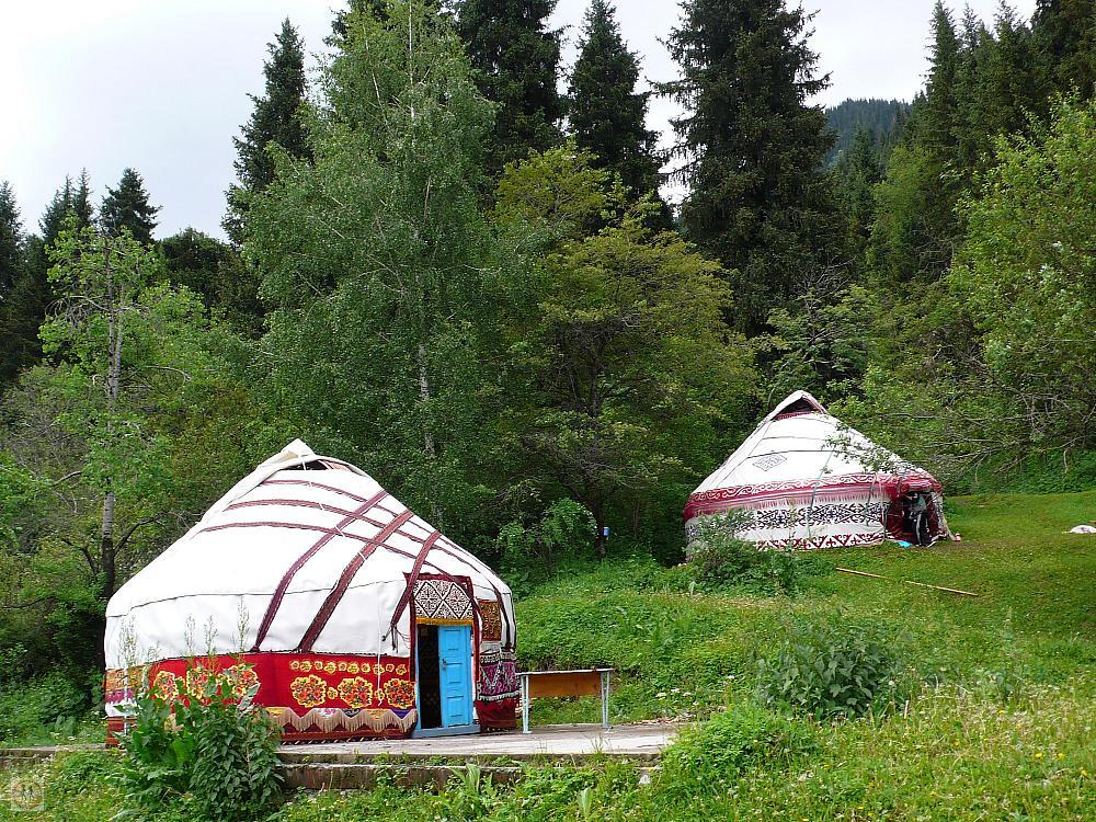 two-nomad-tents-by-the-road-to-big-almaty-lake